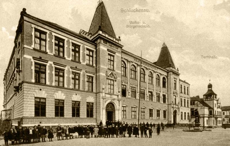 Budova školy, dnes Základní škola Josefa Vohradského